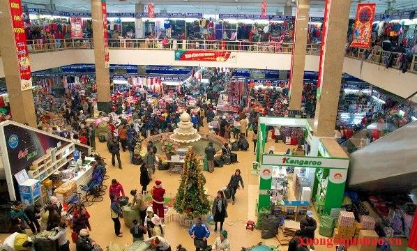 Tại các chợ buôn có rất nhiều mặt hàng sản phẩm