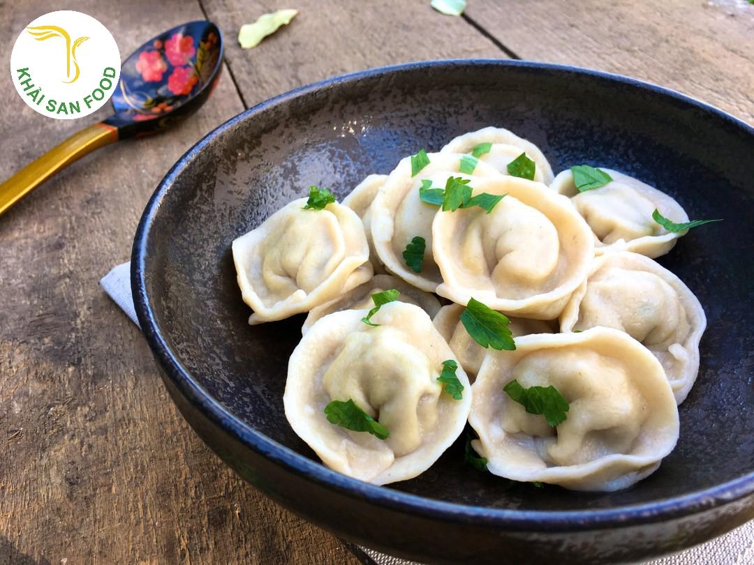 Loại bánh hấp này lấy cảm hứng từ Quảng Đông với nhân thịt lợn xay và cải ngọt có kết cấu tuyệt vời. Tất cả là nhờ sự khéo léo, dày công trong tay nghề nấu nướng của người dân xứ Trung Hoa.